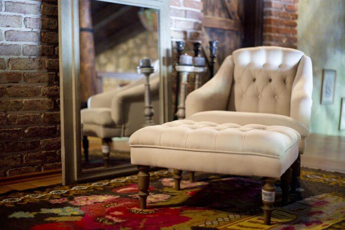 Na co zwrócić uwagę, wybierając dywan do salonu?